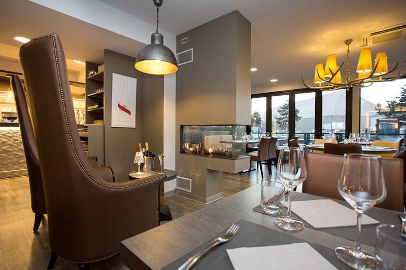 restaurant le ponton restaurant au port de plaisance de granville. Black Bedroom Furniture Sets. Home Design Ideas
